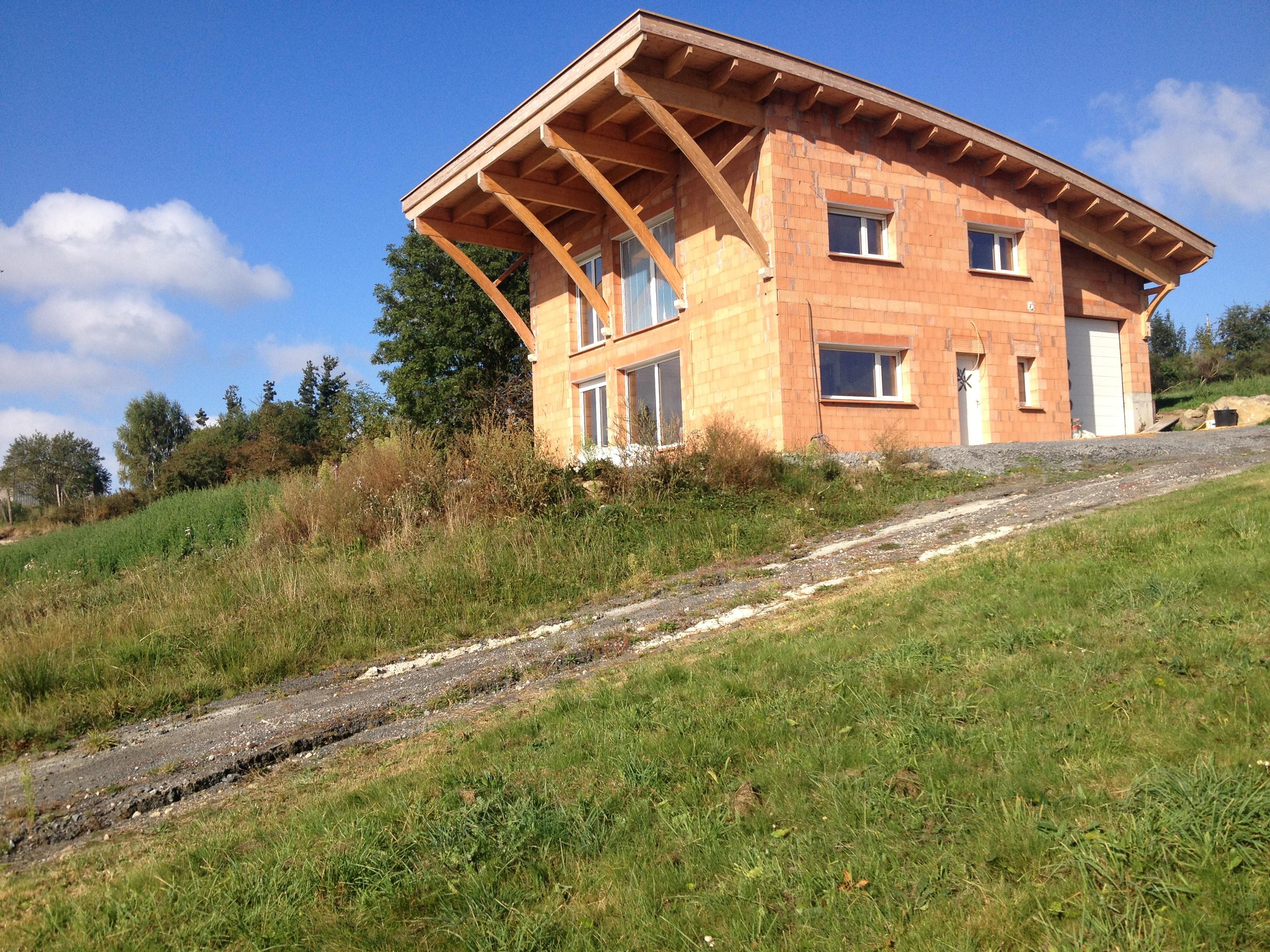 Maison en briques monomur à Allègre