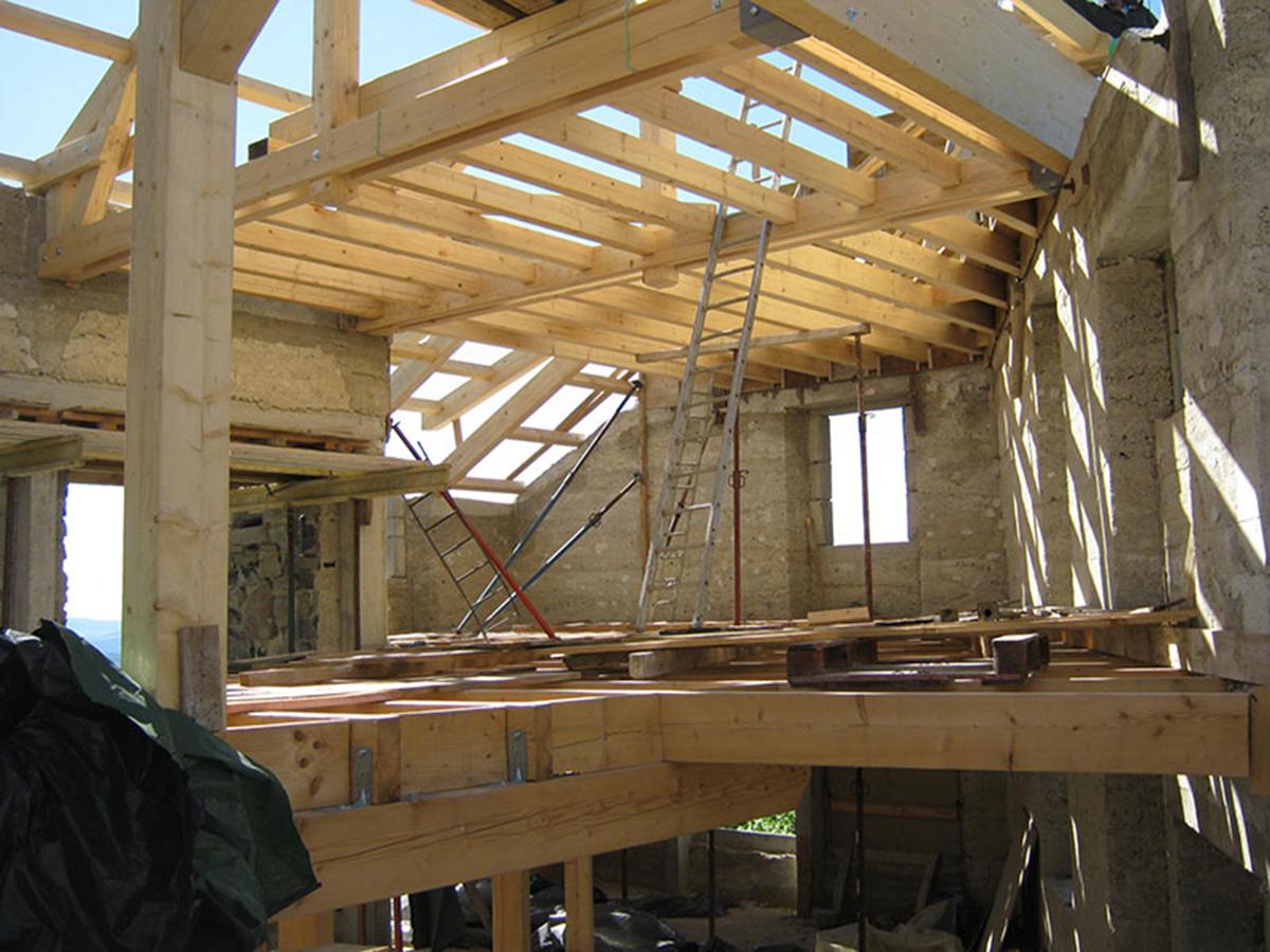 Maison à Saint FrontMaison en pierre et lauze à Saint Front