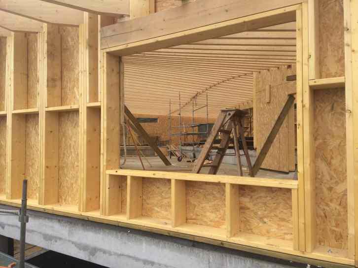Une fenêtre sur l'intérieur, maison bois en Haute Loire