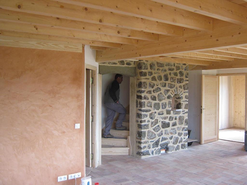 Maison sans chauffage central à Laussone