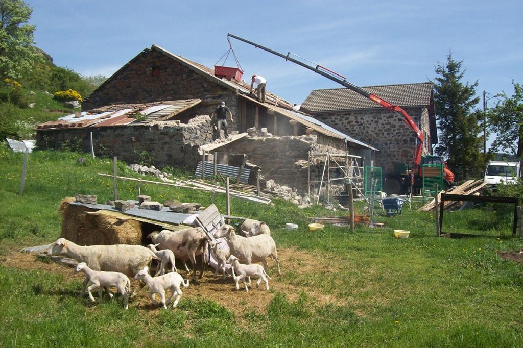 Rénovation d'une maison en pierre à Saint Front