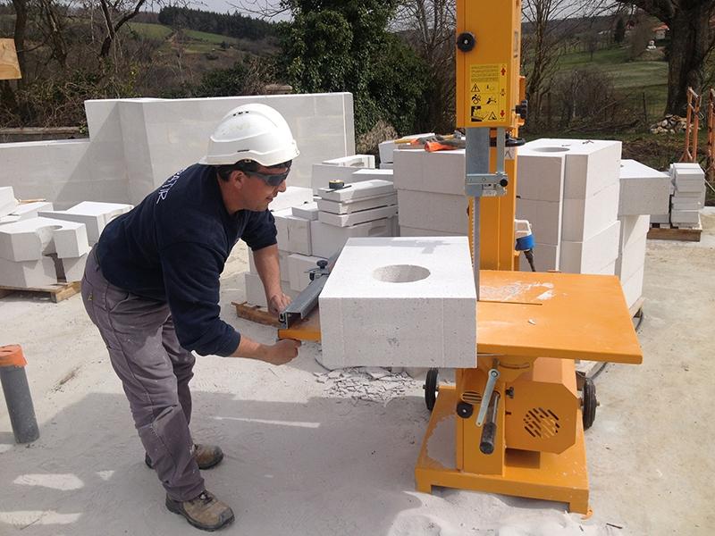 Eco-construction d'une maison en béton cellulaire à Ally