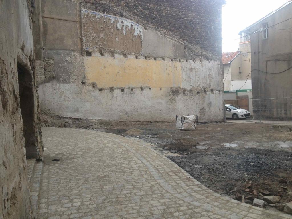 Rénovation d'un morceau des remparts du Puy