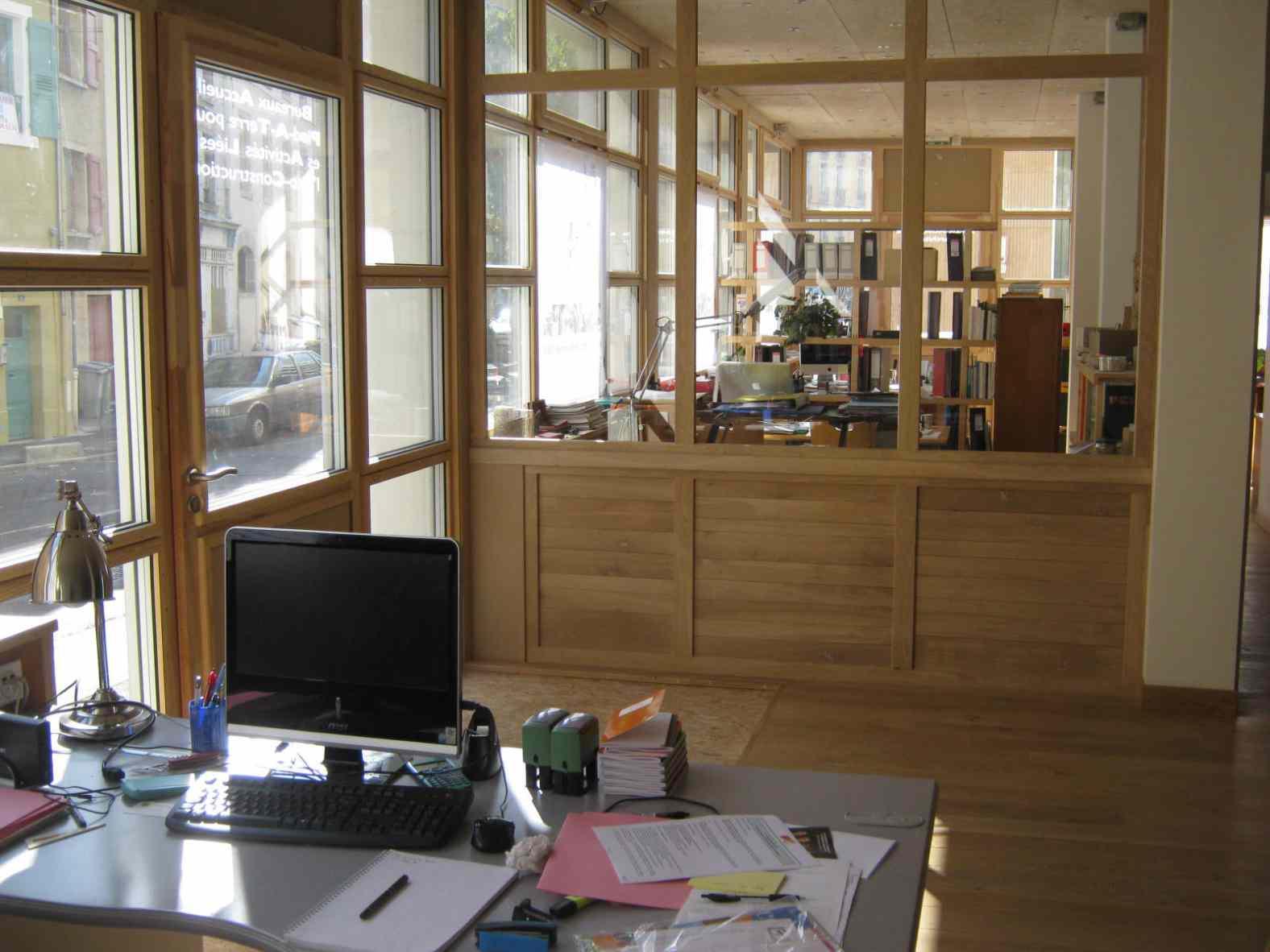 Monjauze architectes - Bureaux Terre Crue au Puy-en-Velay