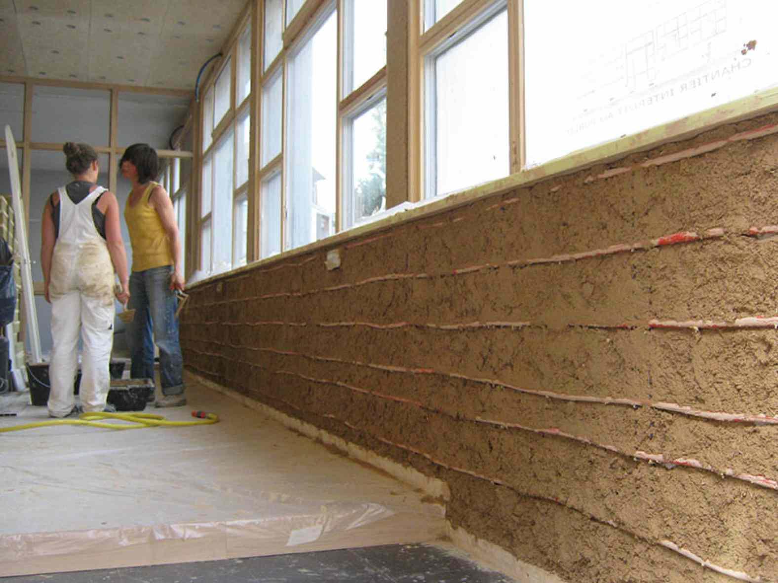 Mur chauffant en terre crue - Eco-rénovation de bureaux