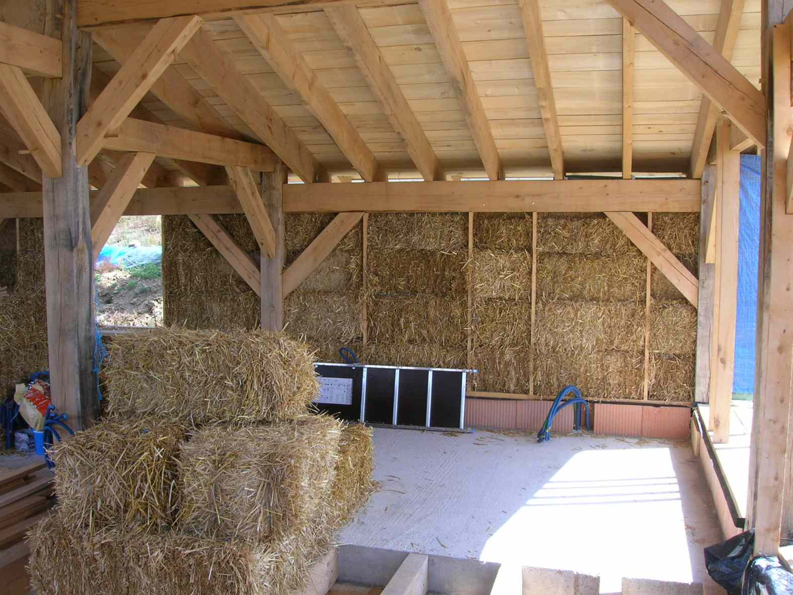 maison en ossature bois et bottes de paille mazeyrat dallier - Maison Paille Ossature Bois