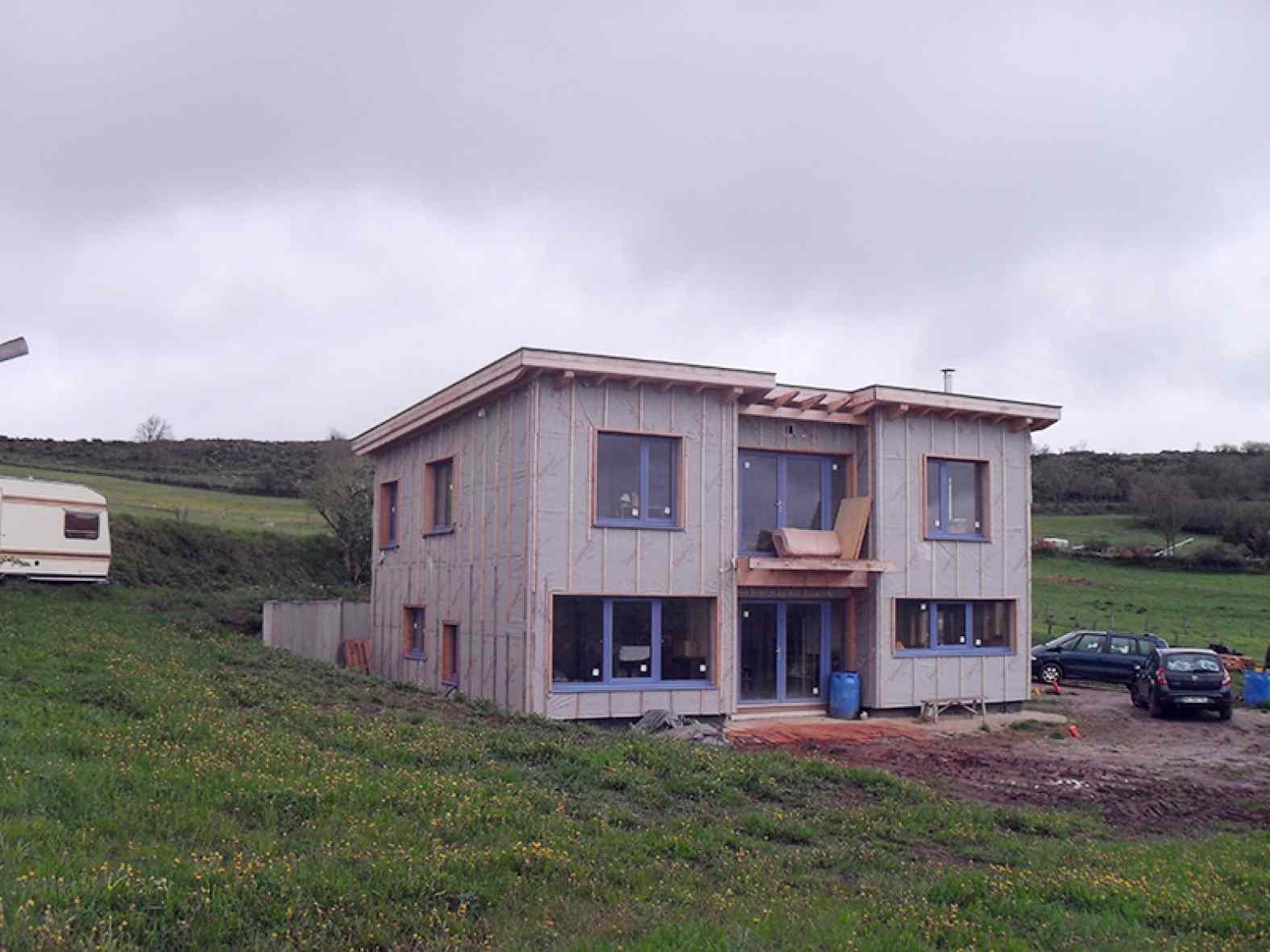 Maison sans chauffage central à Laussonne
