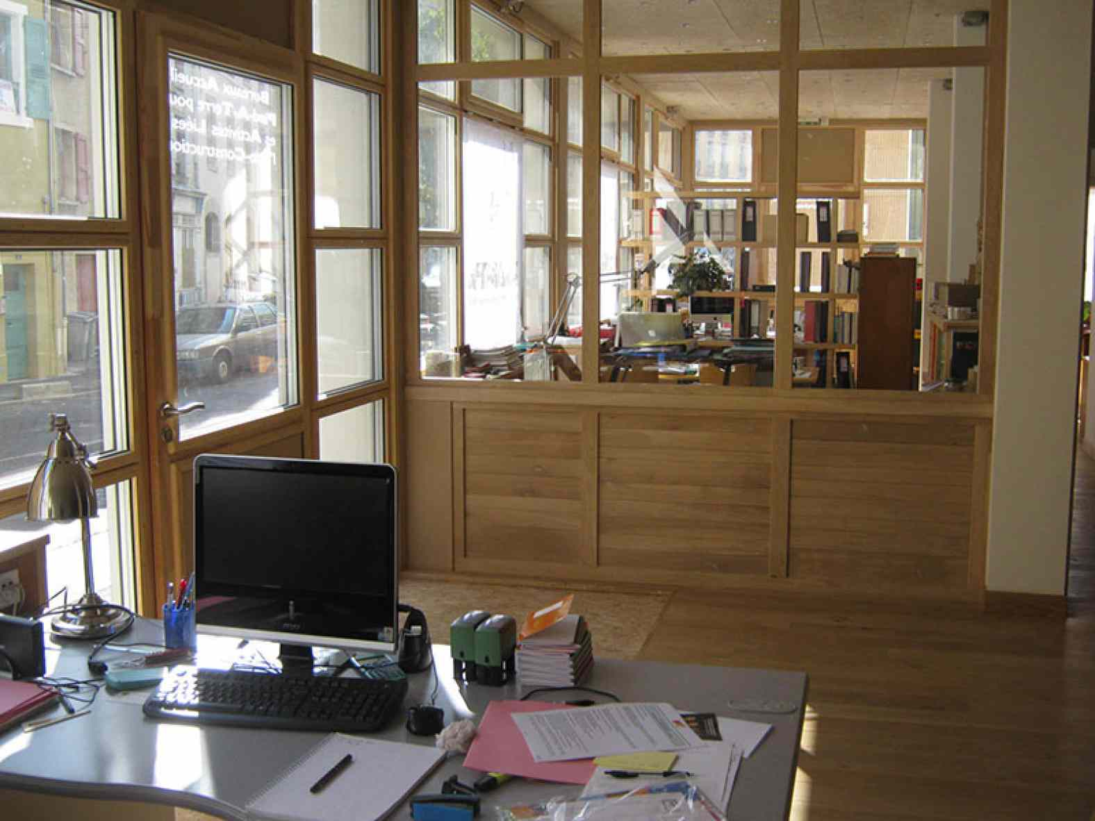 co location de bureau au puy en velay eco architecte. Black Bedroom Furniture Sets. Home Design Ideas