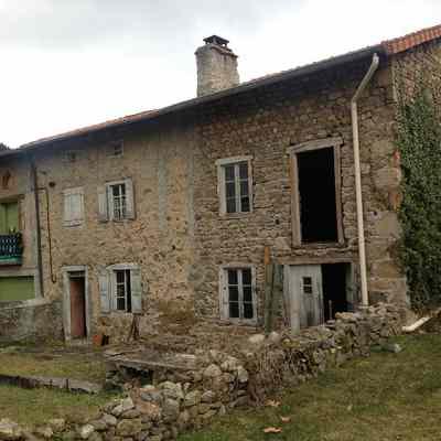 Rénovation d'une maison en pierre à Vorey